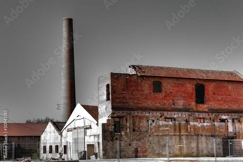 Foto auf Gartenposter Ruinen usine désaffectée