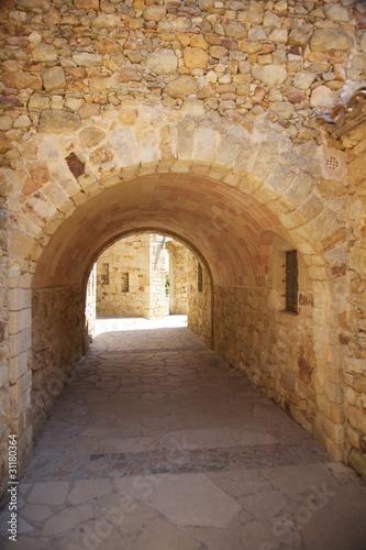 Staande foto Historisch geb. corridor at Pals village