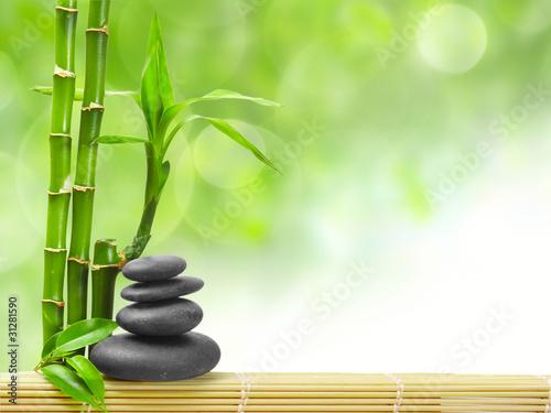 lodygi-bambusu-i-kamienie-zen