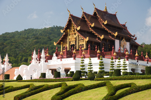 Edifice religieux Ho Kham Luang is architecture northern tradition Thai style
