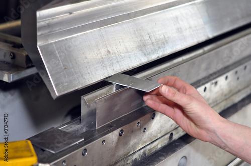 Fotografía  detail industry worker // Detailaufnahme Abkantbank Metallbaufir