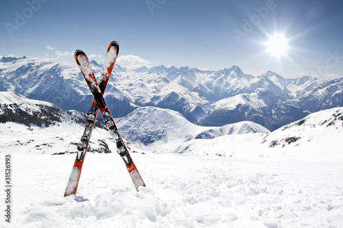 Ingelijste posters Wintersporten Pair of cross skis
