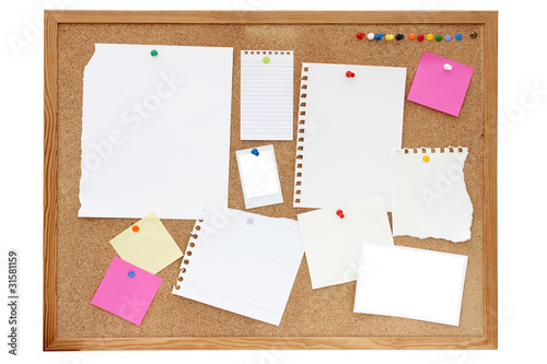 Fotografie, Obraz  noticeboard or pinboard with lots of blank paper on