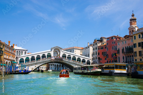 Foto op Canvas Venice Venice Grand canal with gondolas and Rialto Bridge, Italy