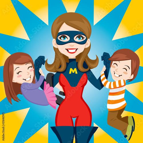 superbohaterka-mama-z-dziecmi