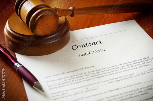 mlotek-prawny-i-umowa-handlowa