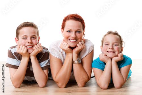 Fotografie, Obraz  junge mutter mit zwei kindern
