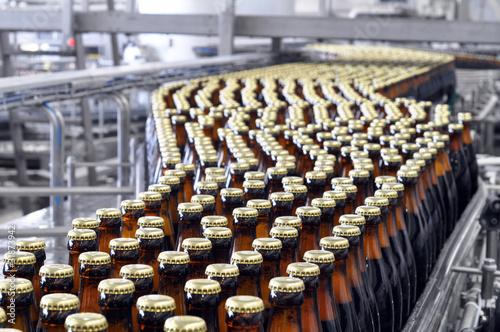 Fotografie, Obraz  brewery inside -ampoule filling system // Brauerei Abfüllanlage