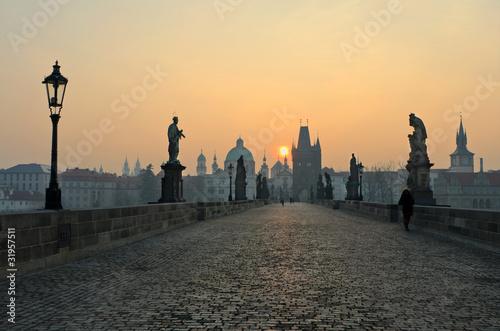 Fotomural Sunrise in Prague, view from the Charles Bridge
