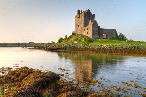 Keuken foto achterwand Noord Europa 16th Century Dunguaire castle in west Ireland