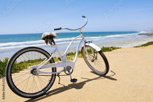Türaufkleber Fahrrad Vintage Beach Cruiser Bike along the California Coast