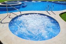Blue Jet Spa Pool In Green Gra...