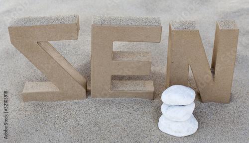 Photo sur Plexiglas Zen pierres a sable zen dans le sable fin
