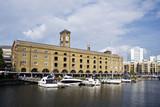 Fototapeta Londyn - Doki św. Katarzyny w Londynie. Architektura Wielkiej Brytanii.