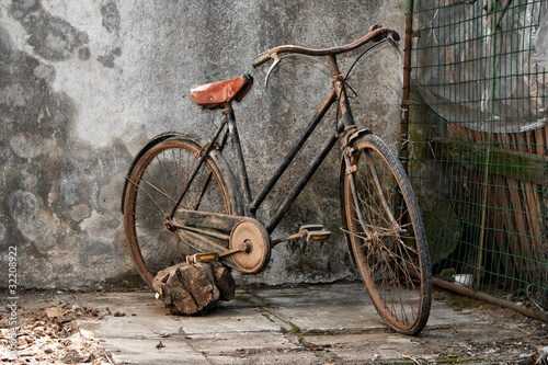 vintage bicycle © marcovarro