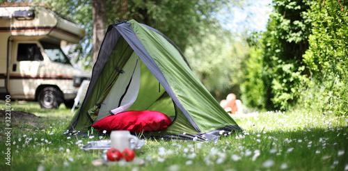 Tuinposter Kamperen Campingurlaub