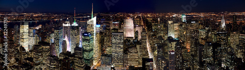 Manhattan by night - 32249751