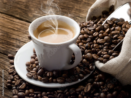 Foto op Canvas Koffiebonen hot coffee - caffe fumante