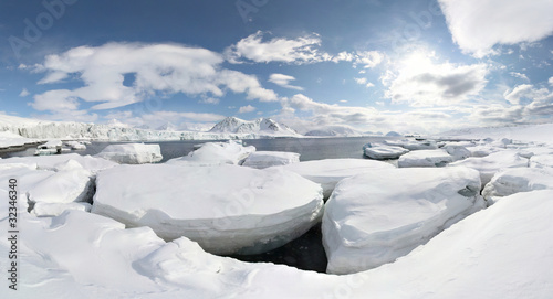 Foto auf Gartenposter Glaciers WInter in the Arctic - PANORAMA