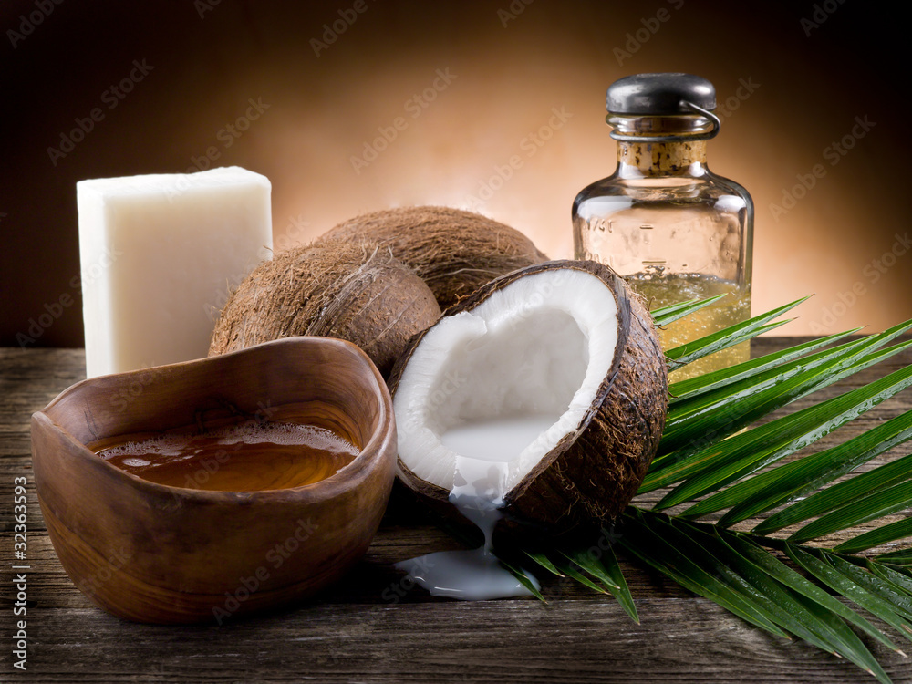 Fototapety, obrazy: natural coconut walnut oil and soap
