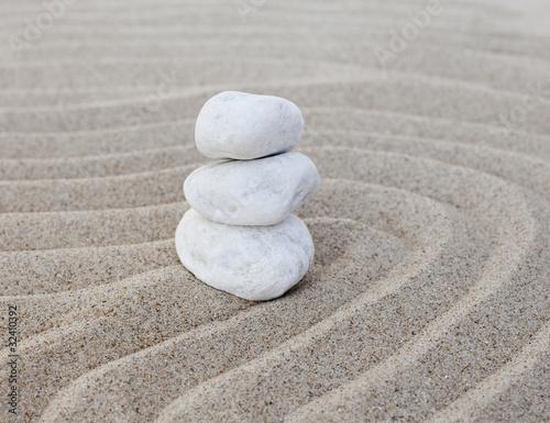 Photo sur Plexiglas Zen pierres a sable galets zen en équilibre