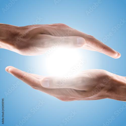 Plissee mit Motiv - hands holding sun