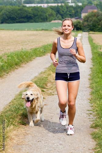 Foto  mit hund joggen