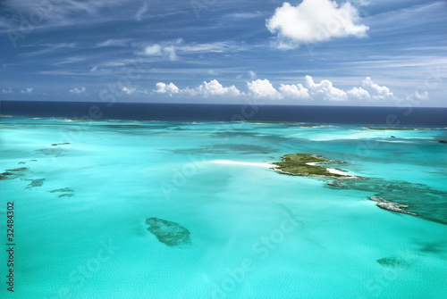 Poster Turquoise The caribbean ocean, sandbars and islands.