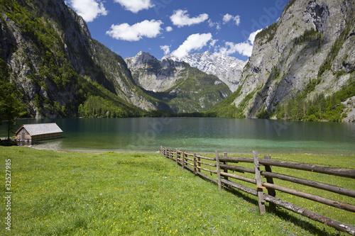 Poster Bergen Der Obersee am Königsee, Nationalpark Berchtesgadener Land.