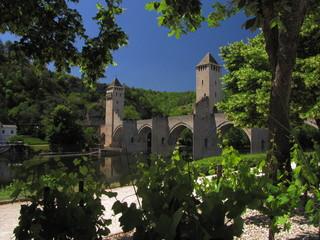 Fototapeta na wymiar Pont Valentré ; Cahors ; Quercy ; Périgord ; Midi-Pyrénées