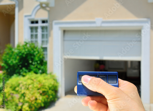 Photo  Garage Door Opener