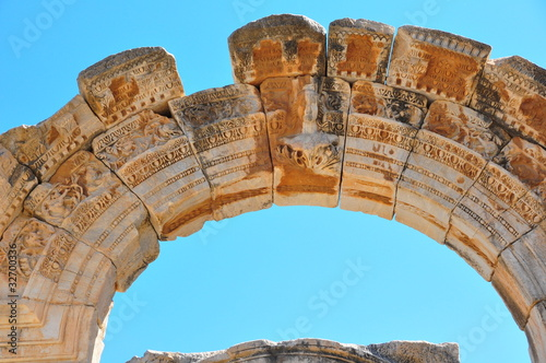 Fotografie, Obraz Keystone arch, Ephesus