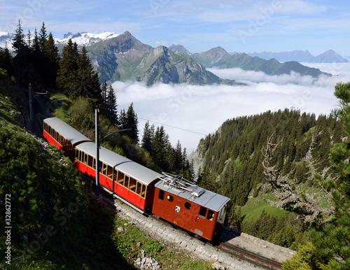 Tuinposter Spoorlijn Schynige Platte Bahn über dem Nebelmeer