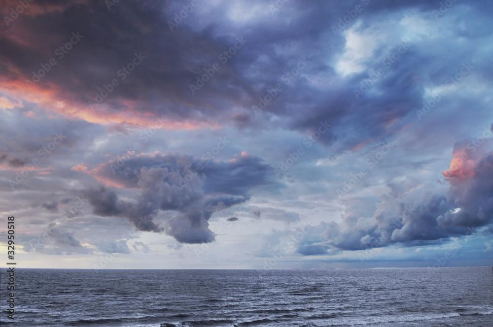 Fototapeta Dramatic colorful sky and sea