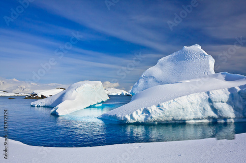 Photo Stands Antarctica Icebergs in Antarctica