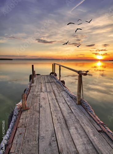 In de dag Pier el embarcadero de madera