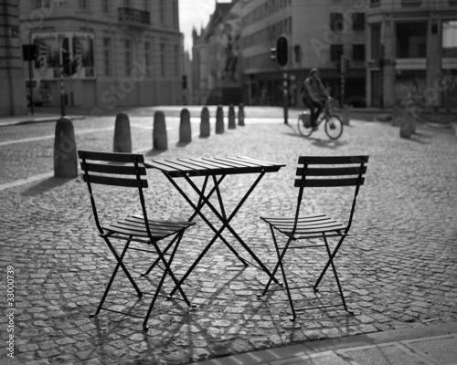 zwei Stühle #33000739