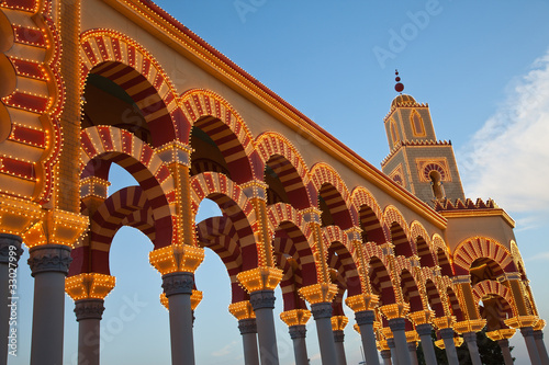 Iluminación de la portada de la feria de Córdoba