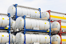 Chemical And Fuel Storage Tanks For Transport