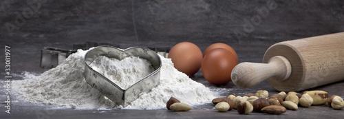 Fotografia Ei und Mehl zum Kekse backen