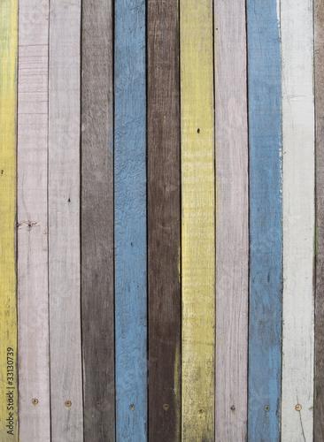kolorowe-drewniane-deski-w-pastelowych-kolorach