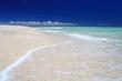 砂浜に打ち寄せる波