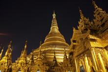 Swedagon Pagode In Yangon, Myanmar