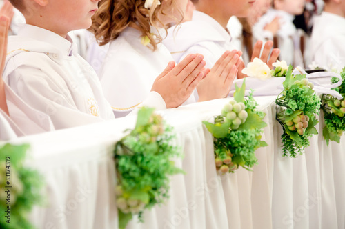 Fotografie, Obraz  children accepting the first Holy Communion
