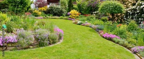 Papiers peints Jardin Im Garten entspannen