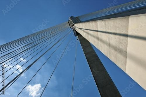 Fototapeta premium Szczegół nowożytna bridżowa abstrakcjonistyczna architektura