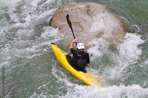 Foto op Canvas Klaprozen Kajak im Wildwasser