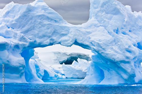 Foto auf Gartenposter Antarktika Antarctic iceberg