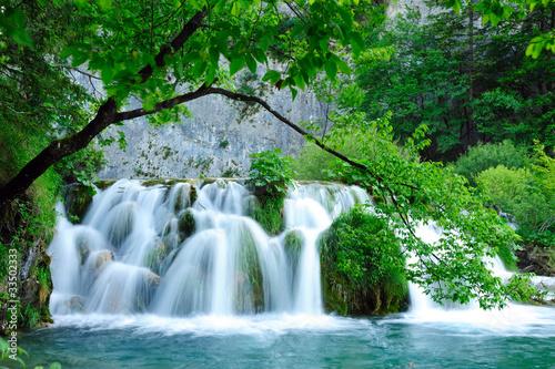 Foto op Plexiglas Groene Plitvice Jezera national park waterfalls