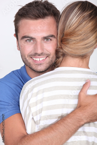 30 year old woman dating 19 year old man